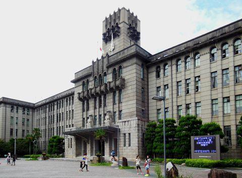 地下鉄・市バス「値上げも」 コロナで収入4割減、京都市長が言及