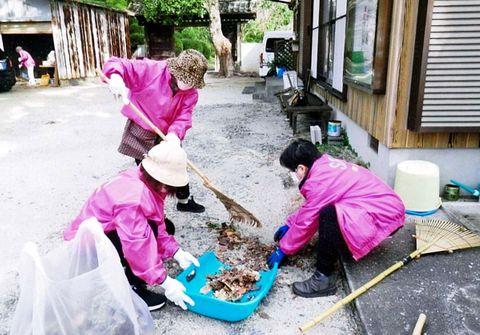 小城町地域婦人会 3カ所で清掃奉仕
